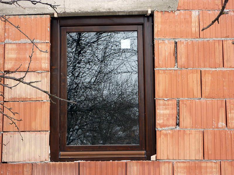 fereastra din lemn cu geam termopan