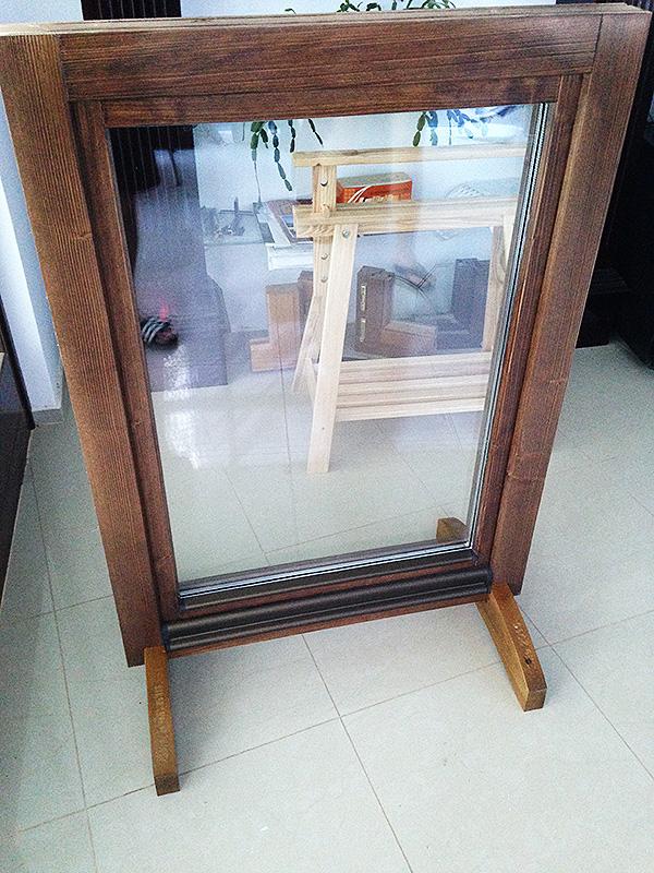 ferestre din lemn cu geam termopan